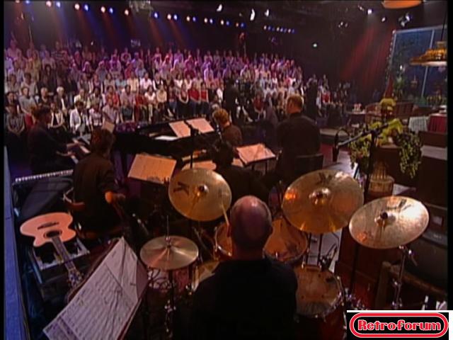 Het orkest onder leiding van Cor Bakker in 'Herberg de Leeuw'