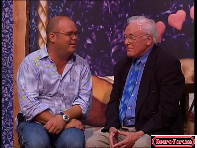 Paul de Leeuw in gesprek met Piet Ekel (Malle Pietje uit Swiebertje) - Herberg de Leeuw, 2002