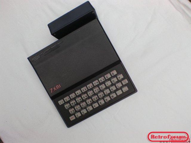 Sinclair ZX81 met een 4K ram uitbreidingsmodule