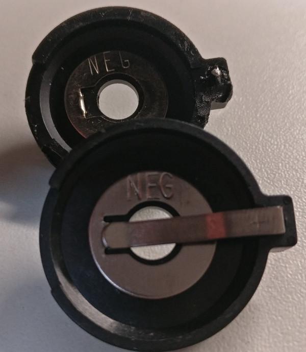 BatterijHouder1.jpg.ec2b0d8b8d7514e0fe2853258b88612a.jpg