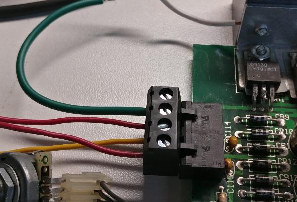 PowerConnector3.jpg.4f58901a574a9b61e90698ef4355809e.jpg