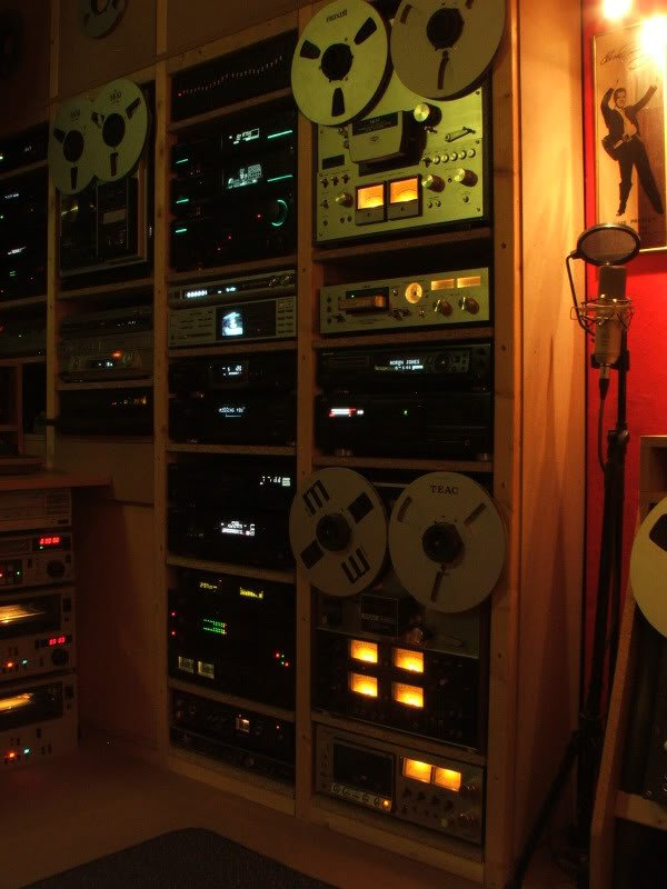 Studio1c.jpg.67c61db17f99e60d3c808424ef19f1ae.jpg