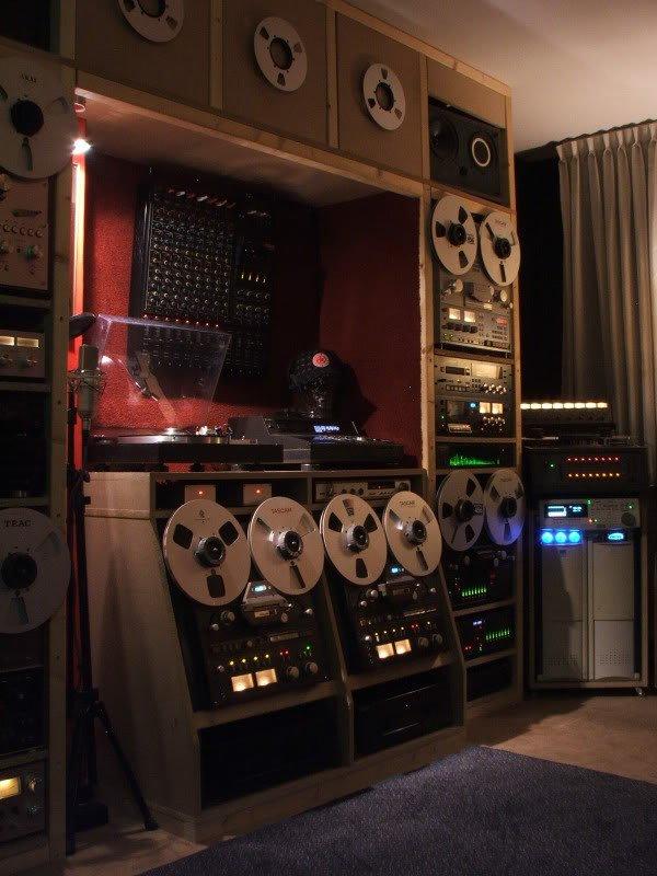 Studio1d.jpg.656da05ea881d29a64ccece7dce07af3.jpg