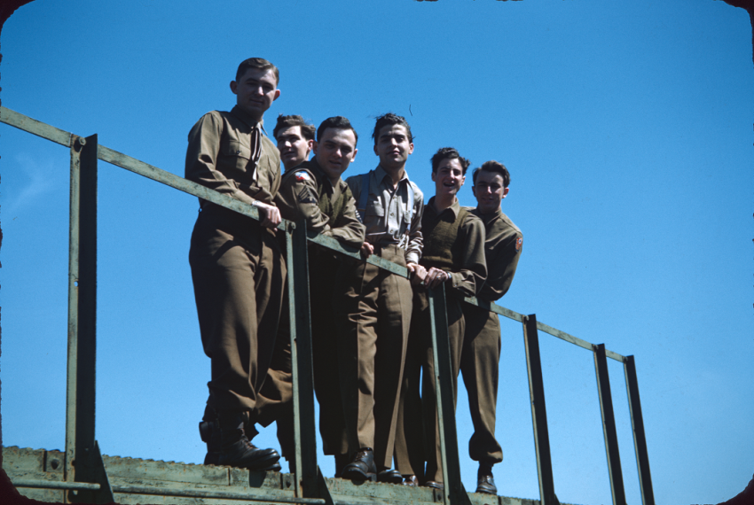 WWII-Allied-1-04.thumb.png.a8cd5c69a3424dc2d6bbf6d2c8acf5ef.png